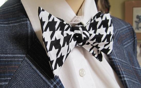 bold houndstooth bow tie for grooms or ring bearers