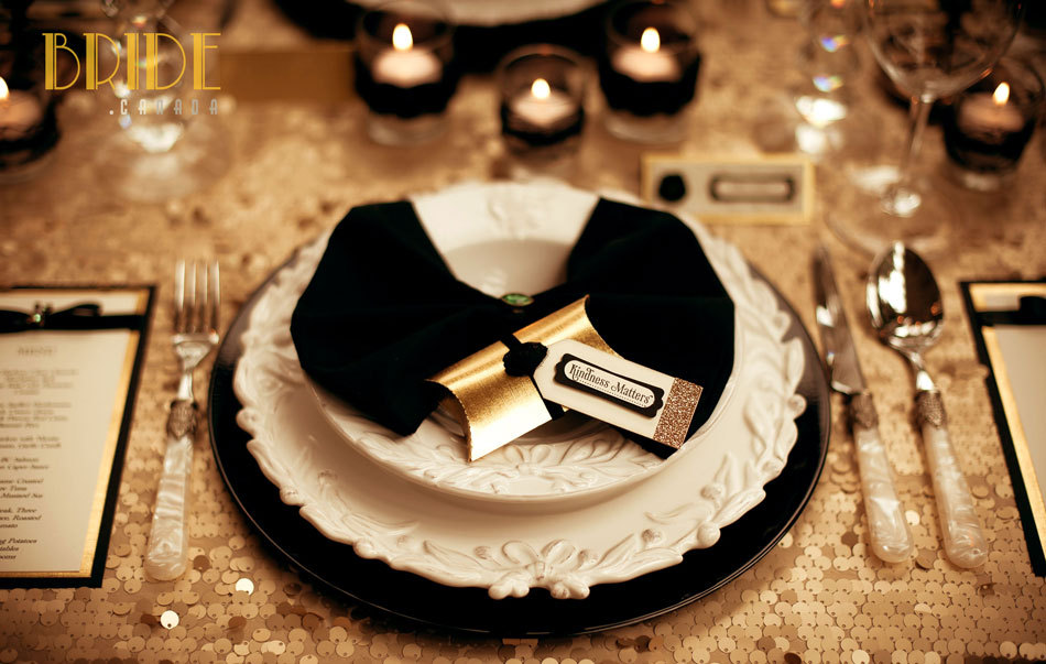 Sparkly-gold-wedding-table-linens-with-black-accents.full