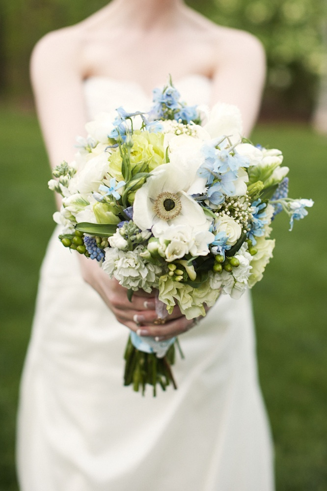 Outdoor-real-wedding-romantic-blue-ivory-bridal-bouquet-wedding-flowers.full