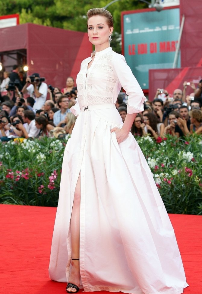 Red carpet gown inspired by Kate Middleton\'s Alexander McQueen ...