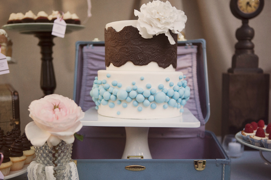 Vintage-inspired-wedding-cake.full