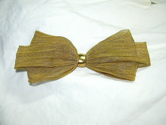 Dapper groom's bow tie in mesh metallic gold