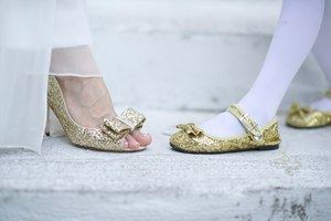 photo of More Metallic Wedding Inspiration for Your Sparkly I Do's