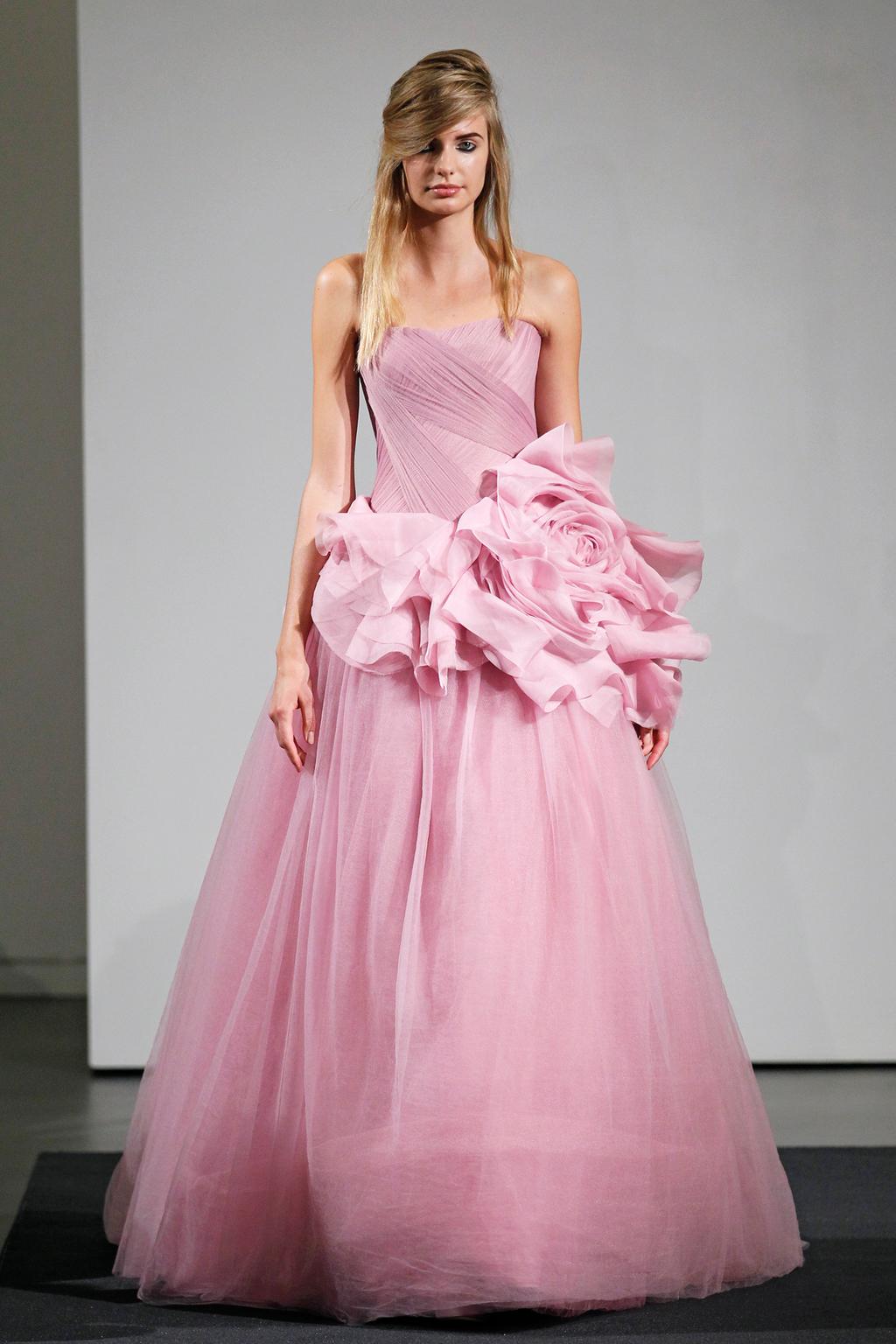 Wedding-dress-by-vera-wang-fall-2014-bridal-collection-2.full