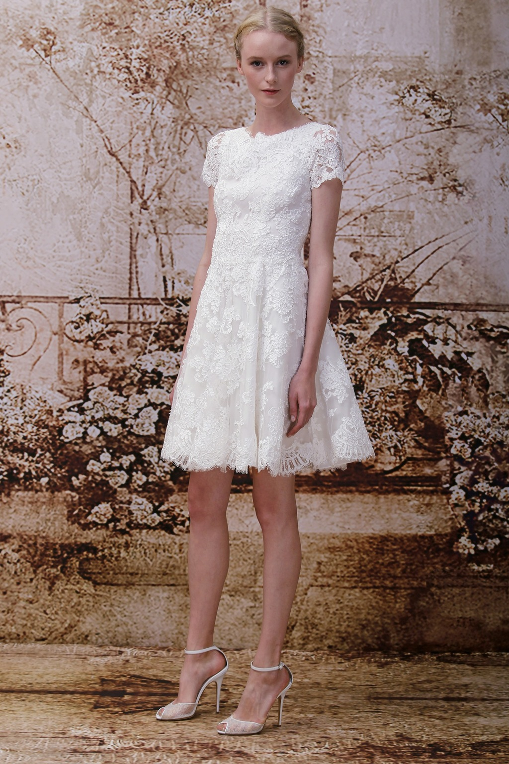 Wedding-dress-by-monique-lhuillier-fall-2014-bridal-look-7.full