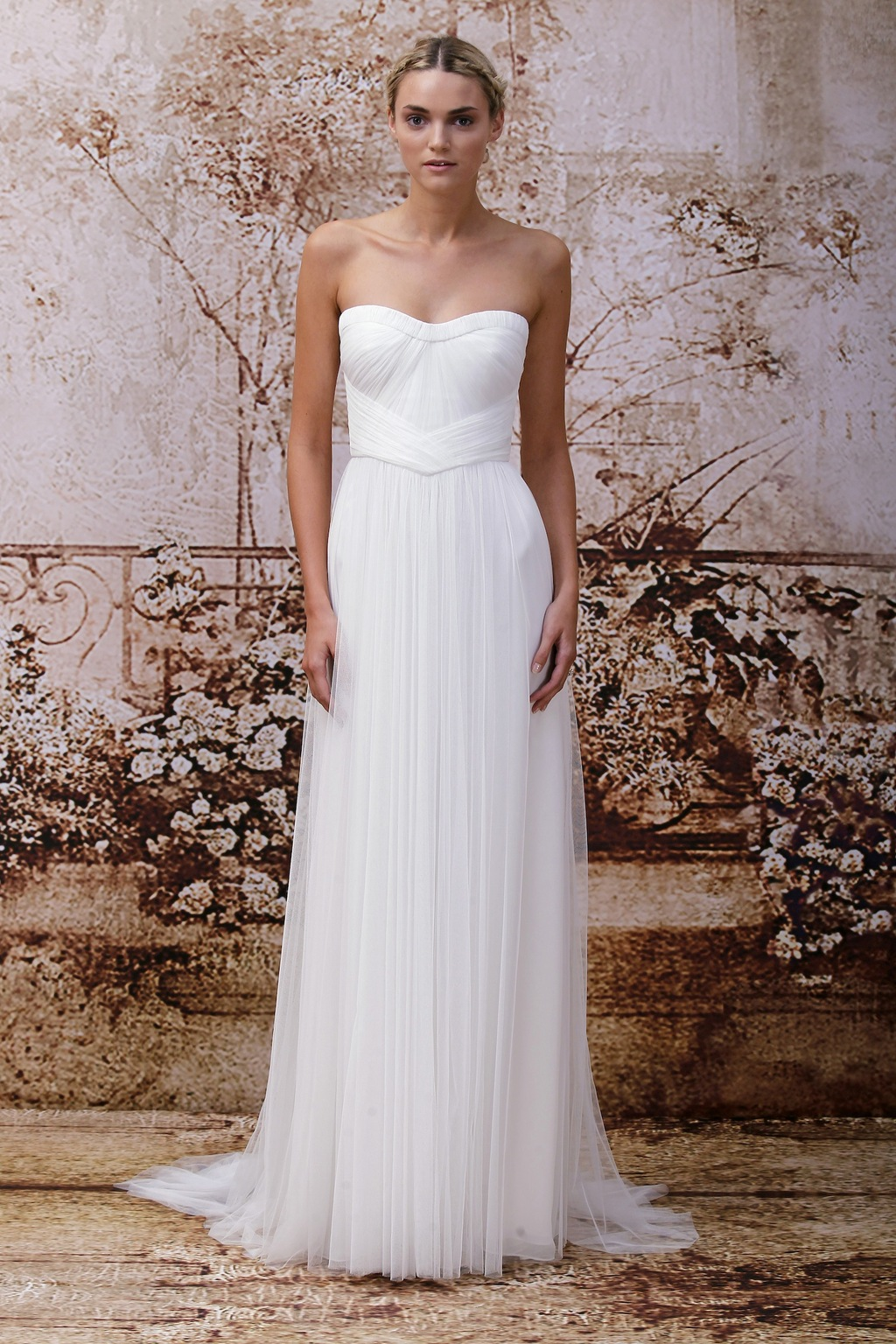 Wedding dress by Monique Lhuillier Fall 2014 bridal Look 11