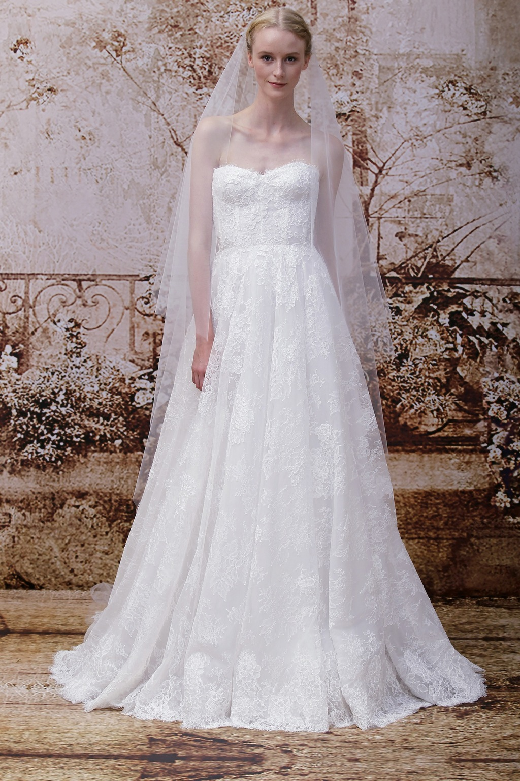 Wedding dress by Monique Lhuillier Fall 2014 bridal Look 24