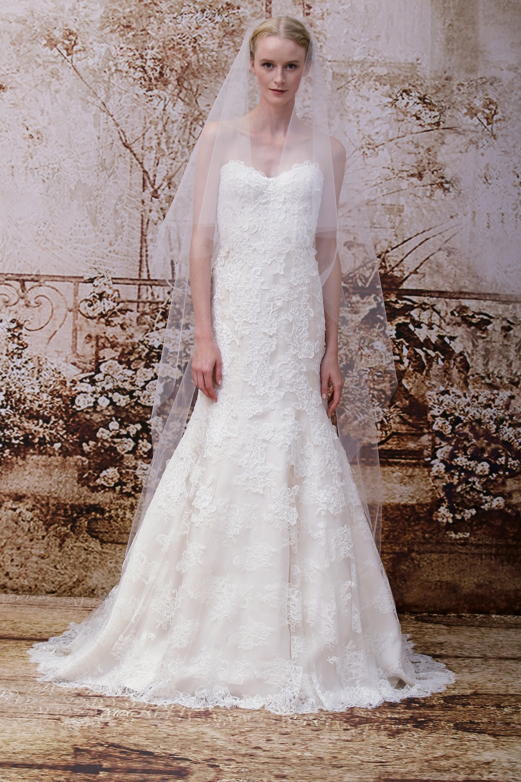 Wedding-dress-by-monique-lhuillier-fall-2014-bridal-look-29.full