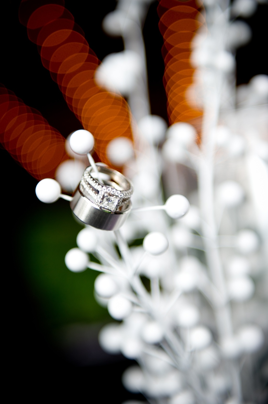 Wedding-photography-engagement-ring-shot.full