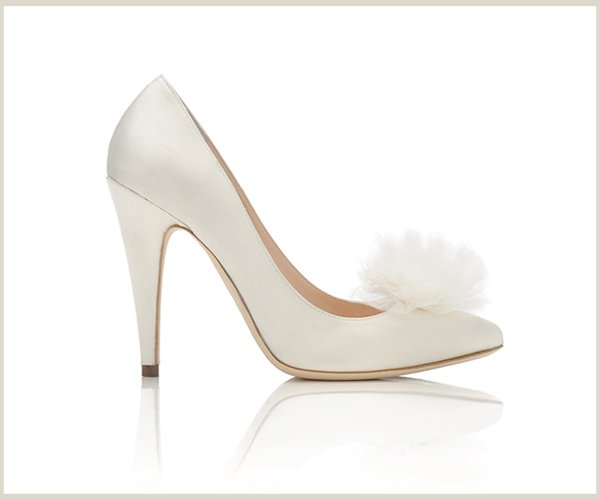 White wedding shoes with tulle flower