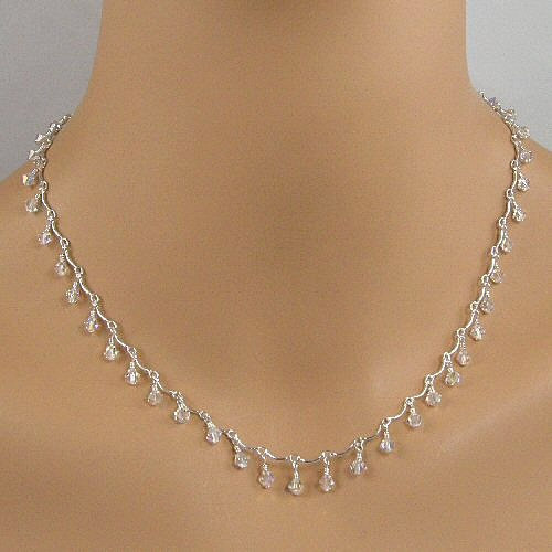 clear crystals on ss scalloped chain necklace