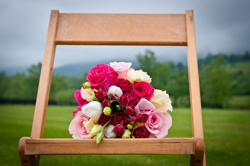 Outdoor-winery-wedding-romantic-bridal-bouquet.full