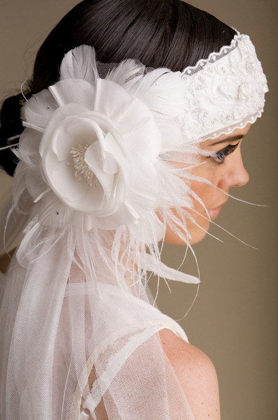 Vintage-inspired bridal headband and veil