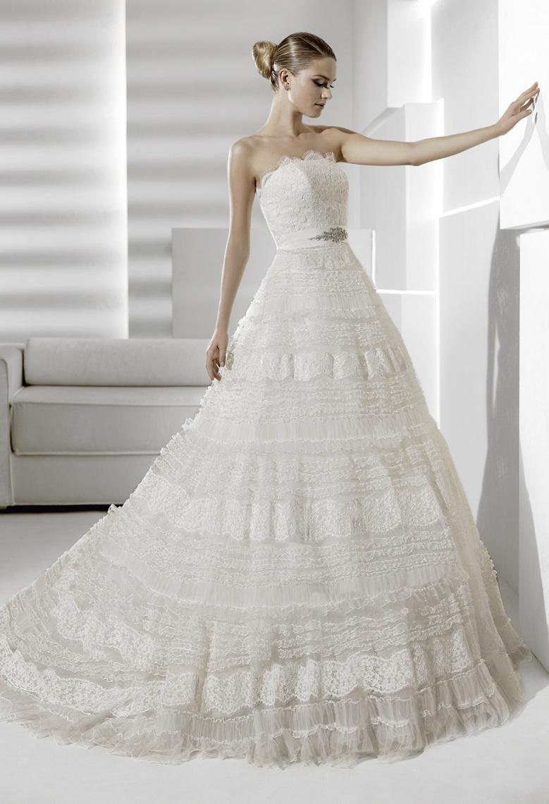 Sideral-la-sposa-wedding-dress-2012-bridal-gowns.full