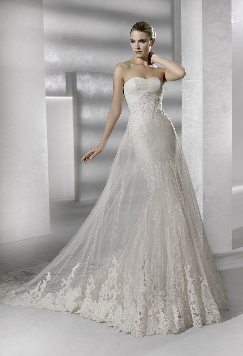 Sleek mermaid lace wedding dress for La sposa wedding dresses
