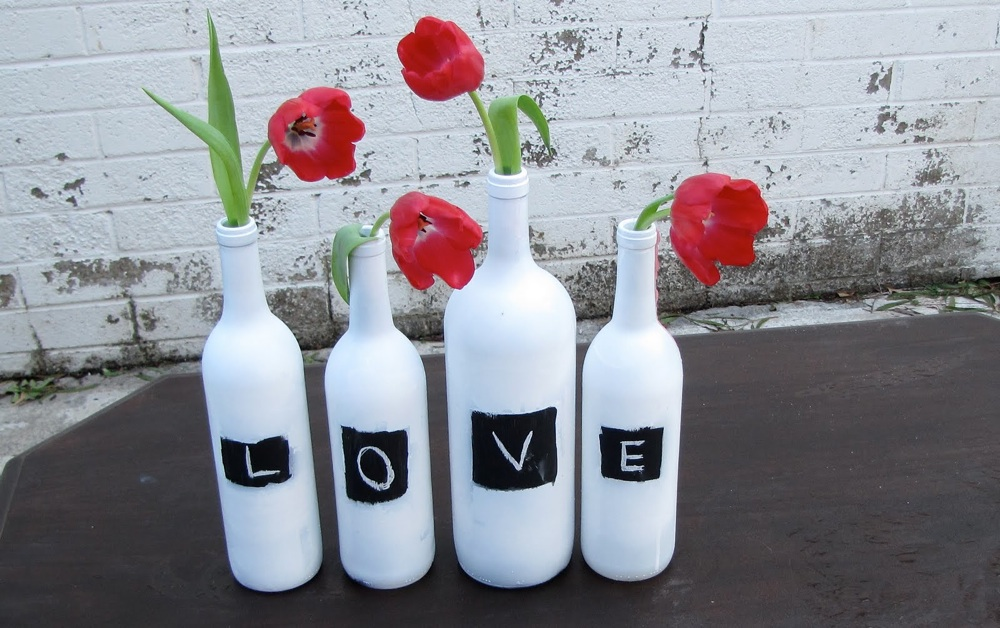 Diy-wedding-centerpieces-bottles-red-wedding-flowers.original