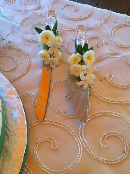 Beautiful Cake Knife with flowers