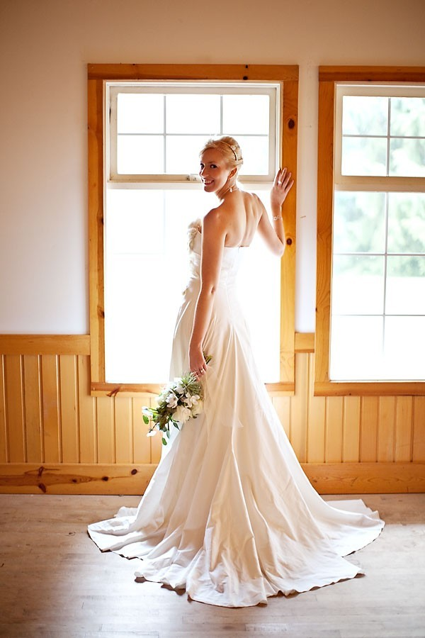 Eco-friendly-wedding-dress-classic-a-line.full