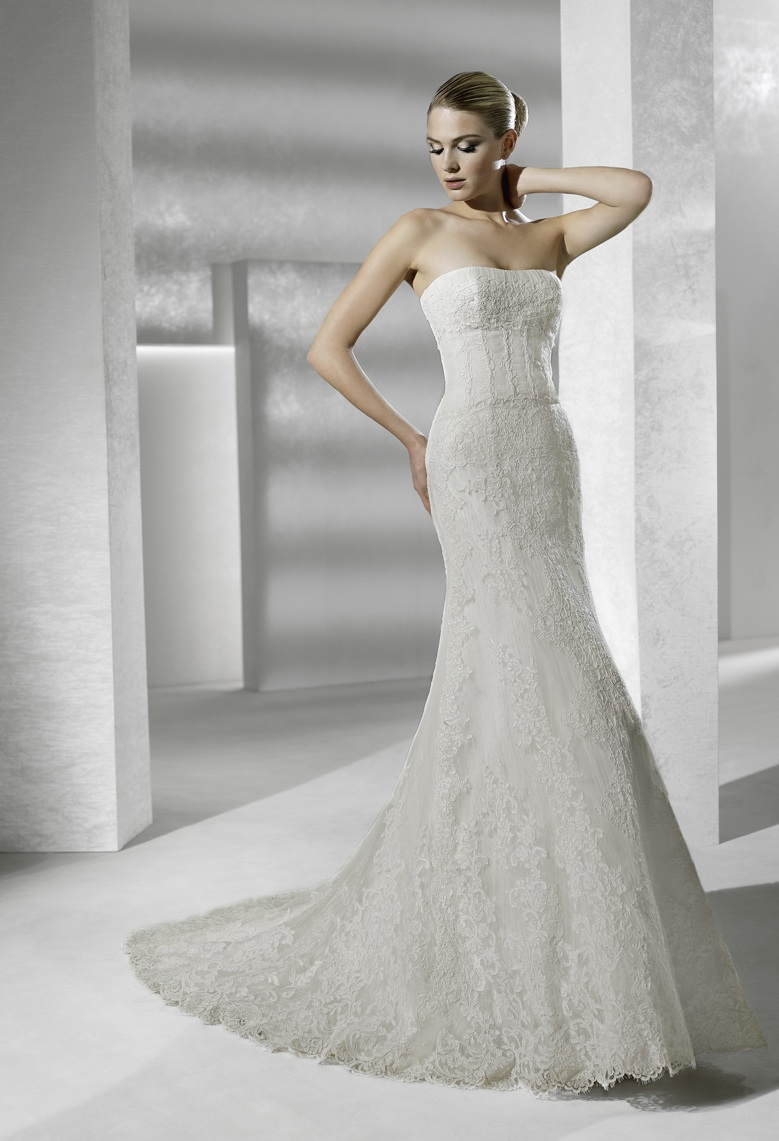 Strapless mermaid lace la sposa wedding dress for La sposa wedding dresses