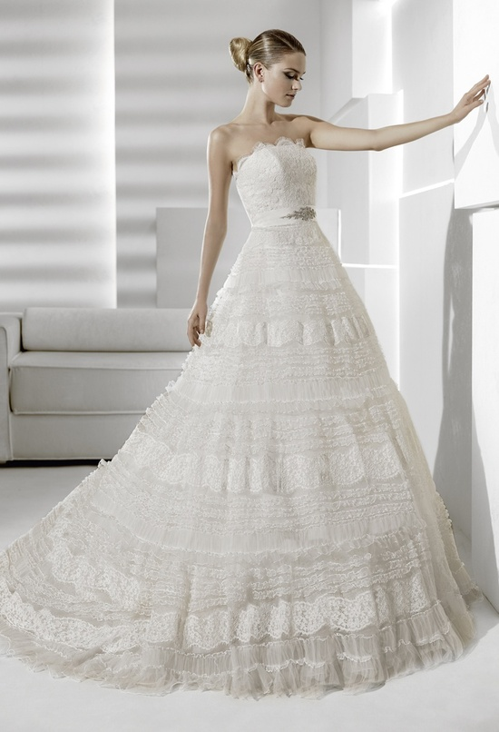 Romantic a-line lace wedding dress with embelished bridal belt