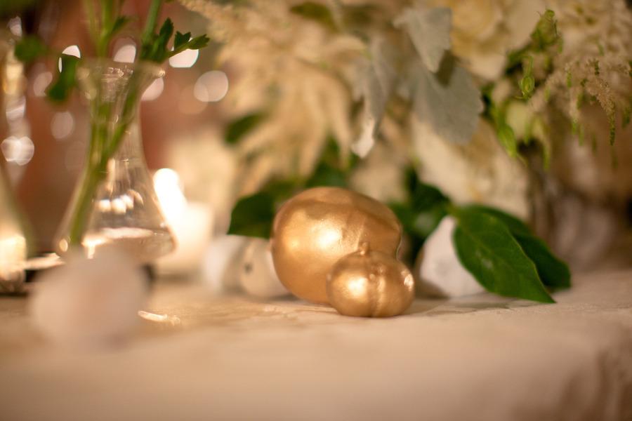 Gold-foil-pumpkins-for-fall-wedding-tablescape.full