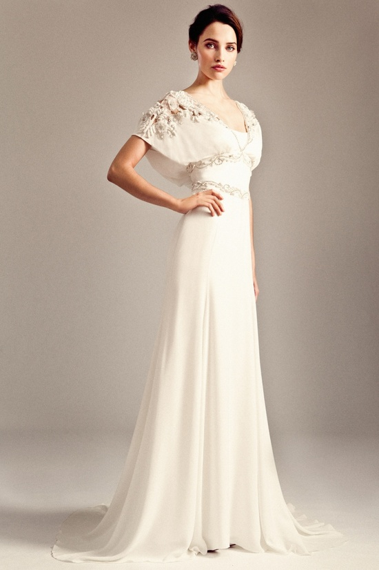 photo of Kelly Clarkson's Wedding Gown + the Latest from Temperley