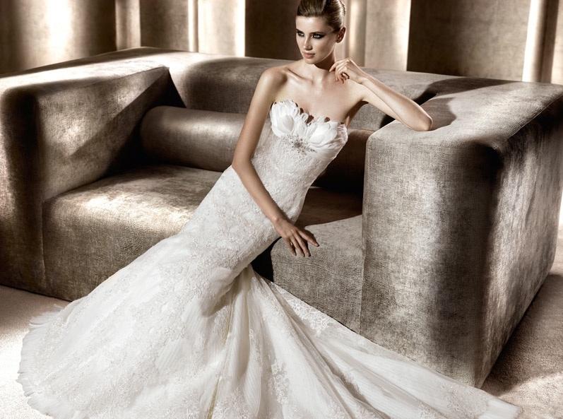 Whimsical-wedding-dress-pronovias-feather-adorned.full