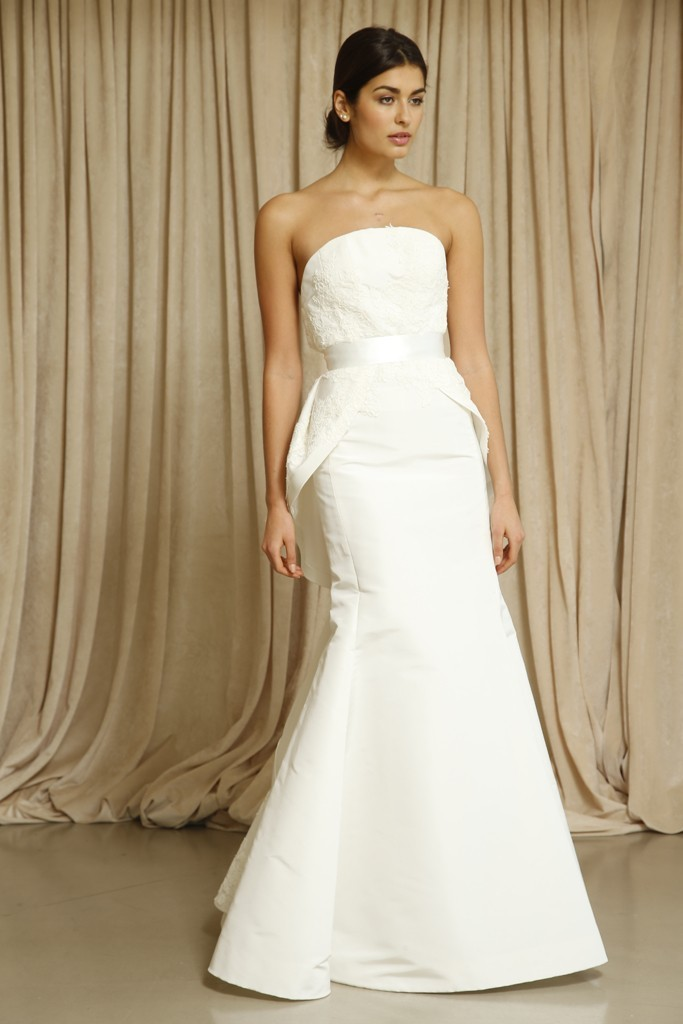 Oscar de la renta wedding dress fall 2014 8 for Where to buy oscar de la renta wedding dress