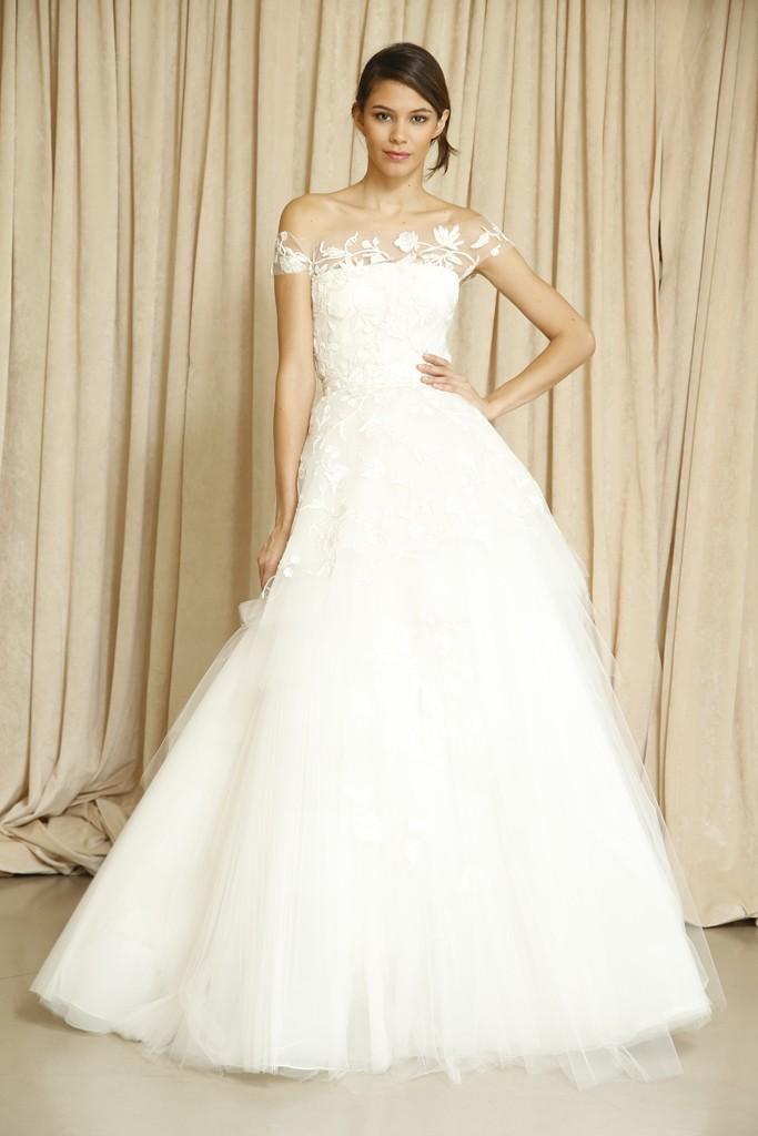 oscar de la renta wedding dress fall 2014 3 onewedcom