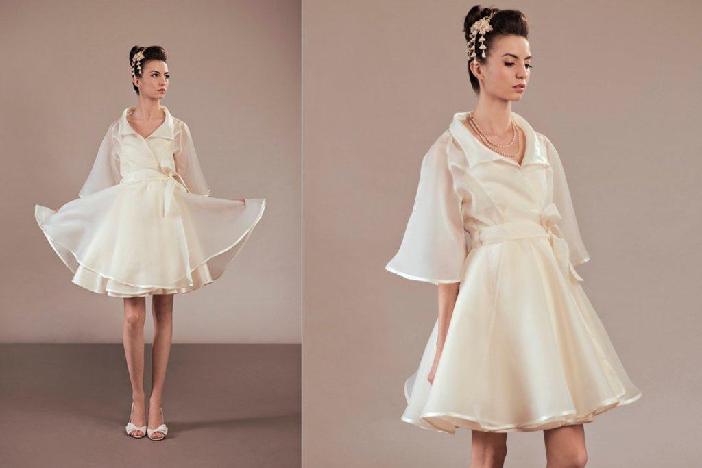 Beautiful-bridal-coats-for-fall-and-winter-weddings-5.full