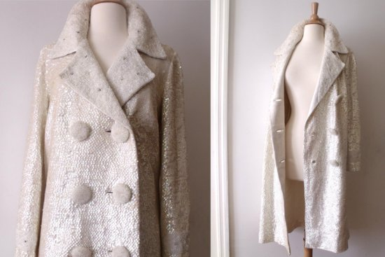 Beautiful bridal coats for Fall and Winter weddings 6