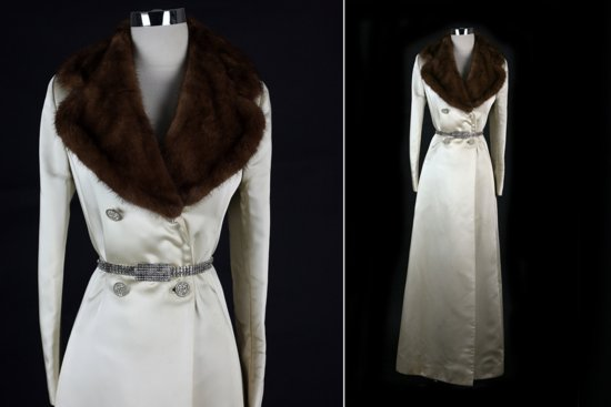 Beautiful bridal coats for Fall and Winter weddings 7