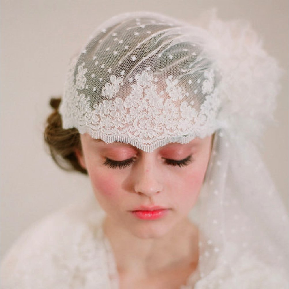 Lace-bridal-cap-vintage-inspired-wedding-accessories.full