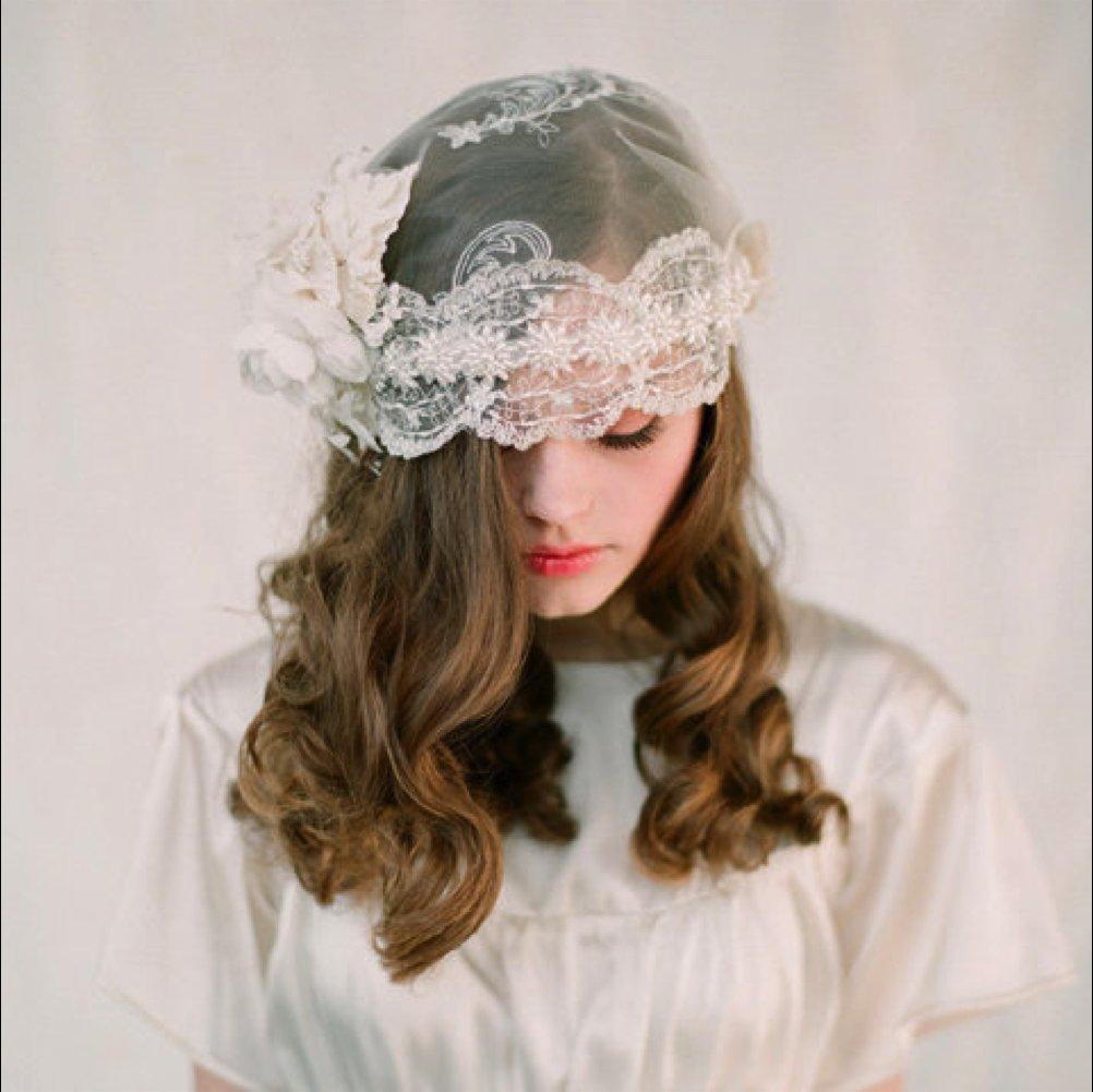 Bohemian-bride-wedding-accessories-bridal-veil-cap-lace.full