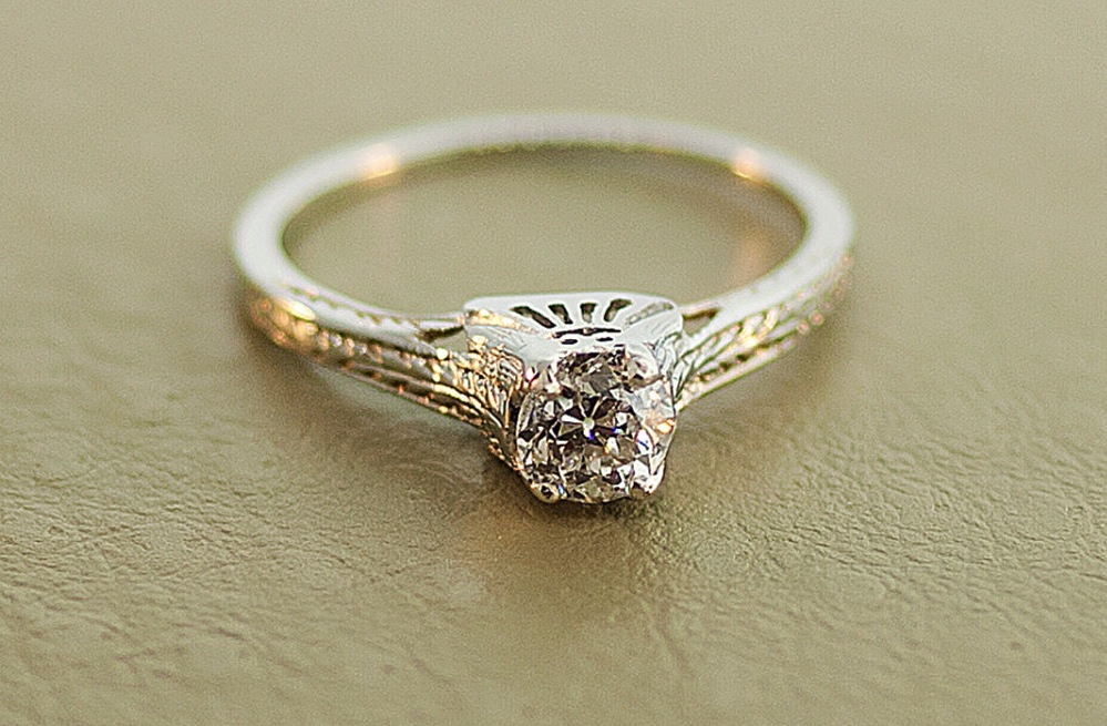 White-gold-diamond-engagement-ring-from-the-1920s.full