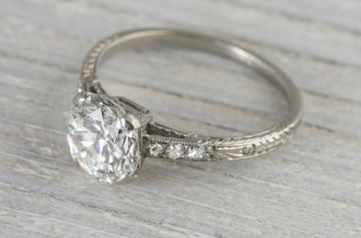 Art-deco-engagement-ring-with-1.55-carats.full