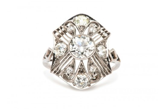 Vintage engagement ring for Art Deco loving brides 1