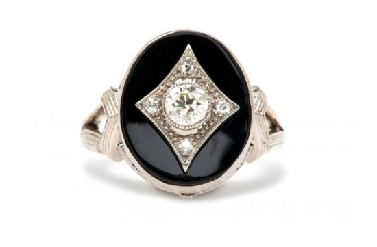 Vintage engagement ring for Art Deco loving brides 2