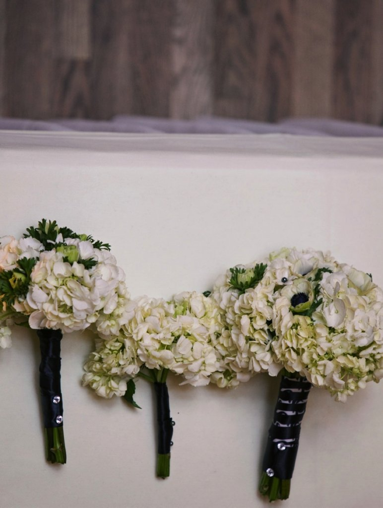 photo of Real Kansas City Wedding: Chic Black and Ivory, Music Inspiration