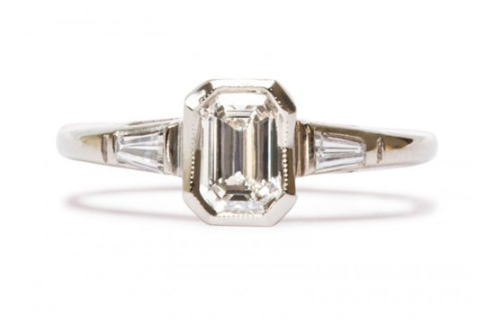 Vintage engagement ring for Art Deco loving brides 16