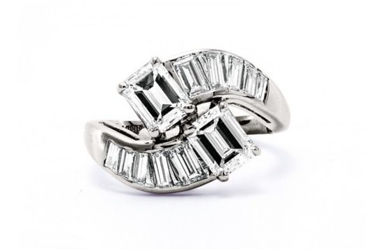 Vintage engagement ring for Art Deco loving brides 22