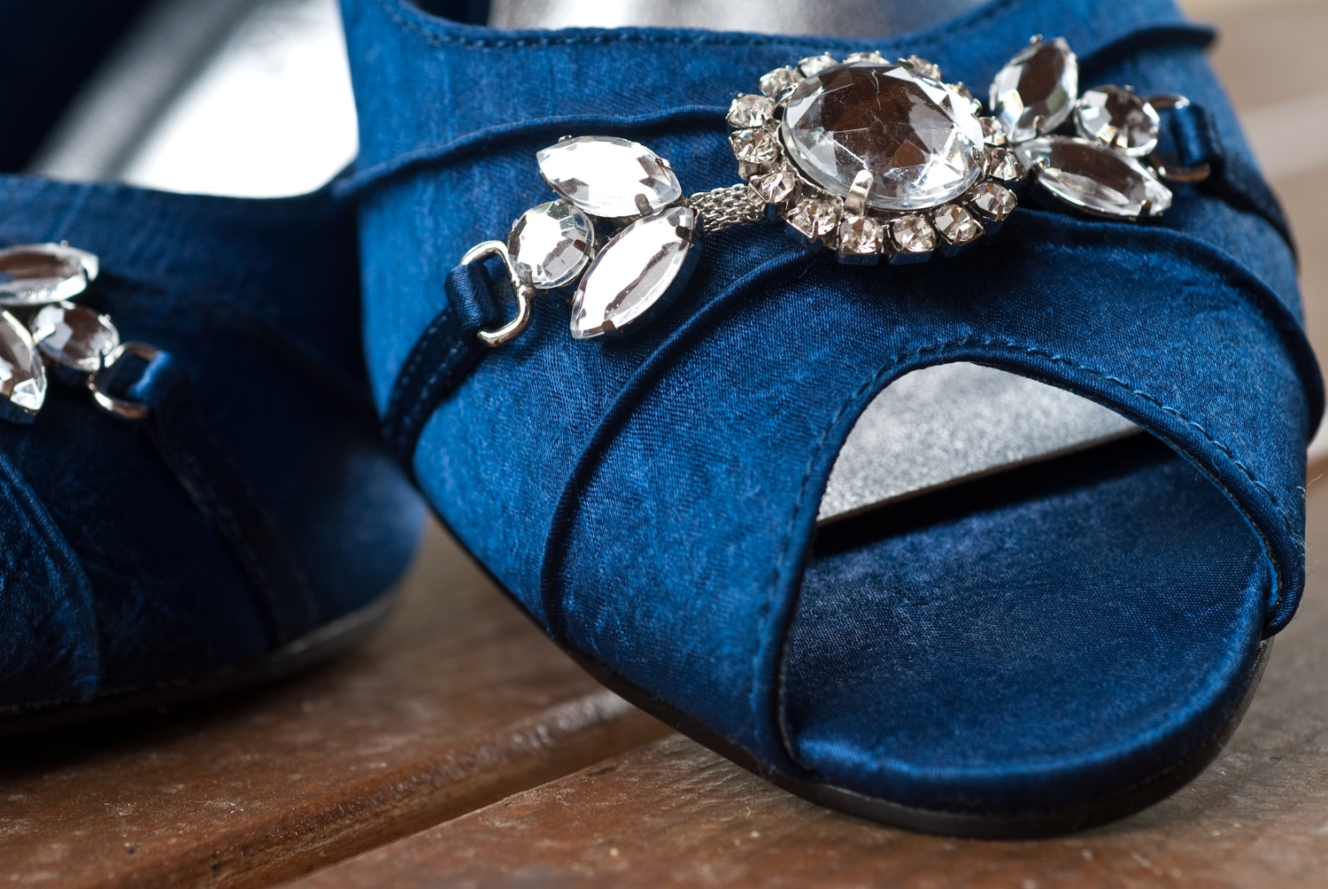 The Bridal Shoe: It's A Navy Blue Thing! Navy Wedding Shoes