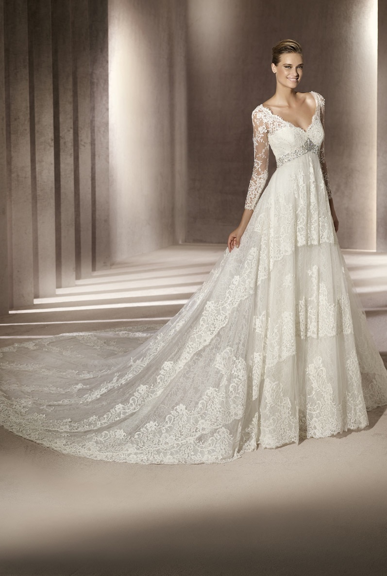 Classic Ivory Lace V Neck Wedding Dress With Sleeves