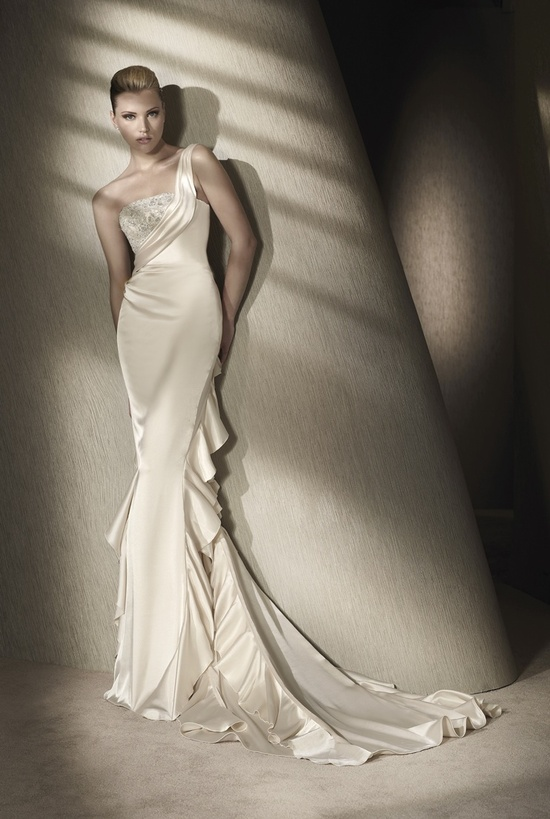 Sleek silk ivory wedding dress