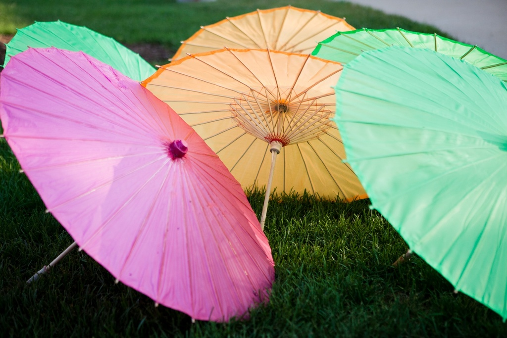 Real-weddings-new-york-wedding-photography-colorful-umbrellas-wedding-ceremony.full