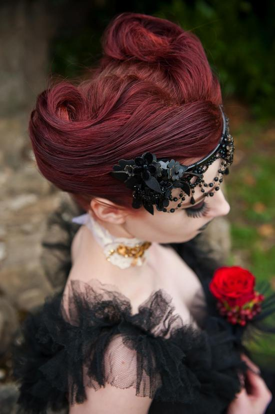 vintage goth bride for Halloween weddings