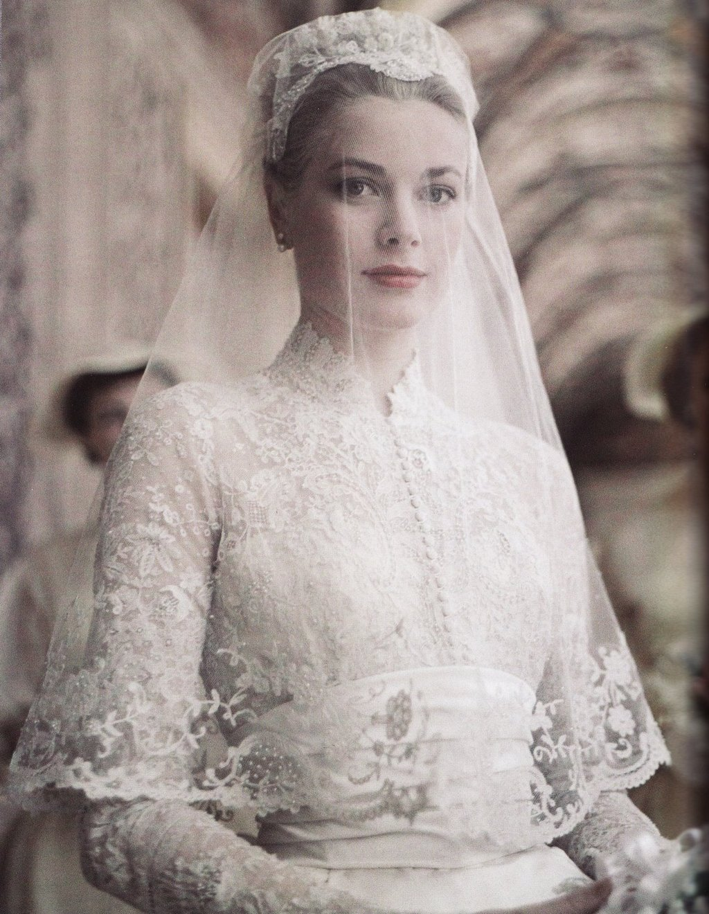 Grace-kelly-on-her-wedding-day.full