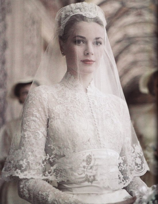 photo of Grace Kelly on her wedding day