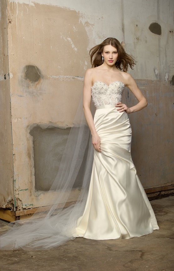 Wedding-dress-wtoo-fall-2011-bridal-gowns-embellished-ivory_0.full