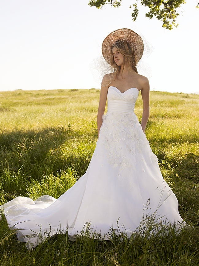Classic ivory a-line wedding dress with sweetheart neckline